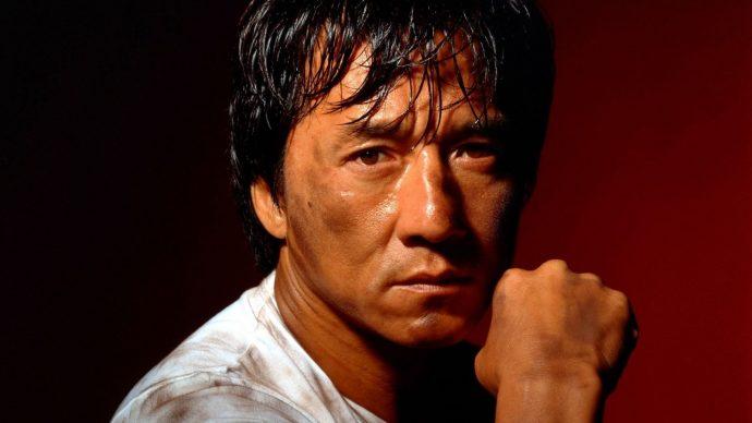 Jackie Chan te lembrando que ele não fez só comédias.