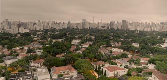 uma visão do alto da zona oeste da cidade de São Paulo