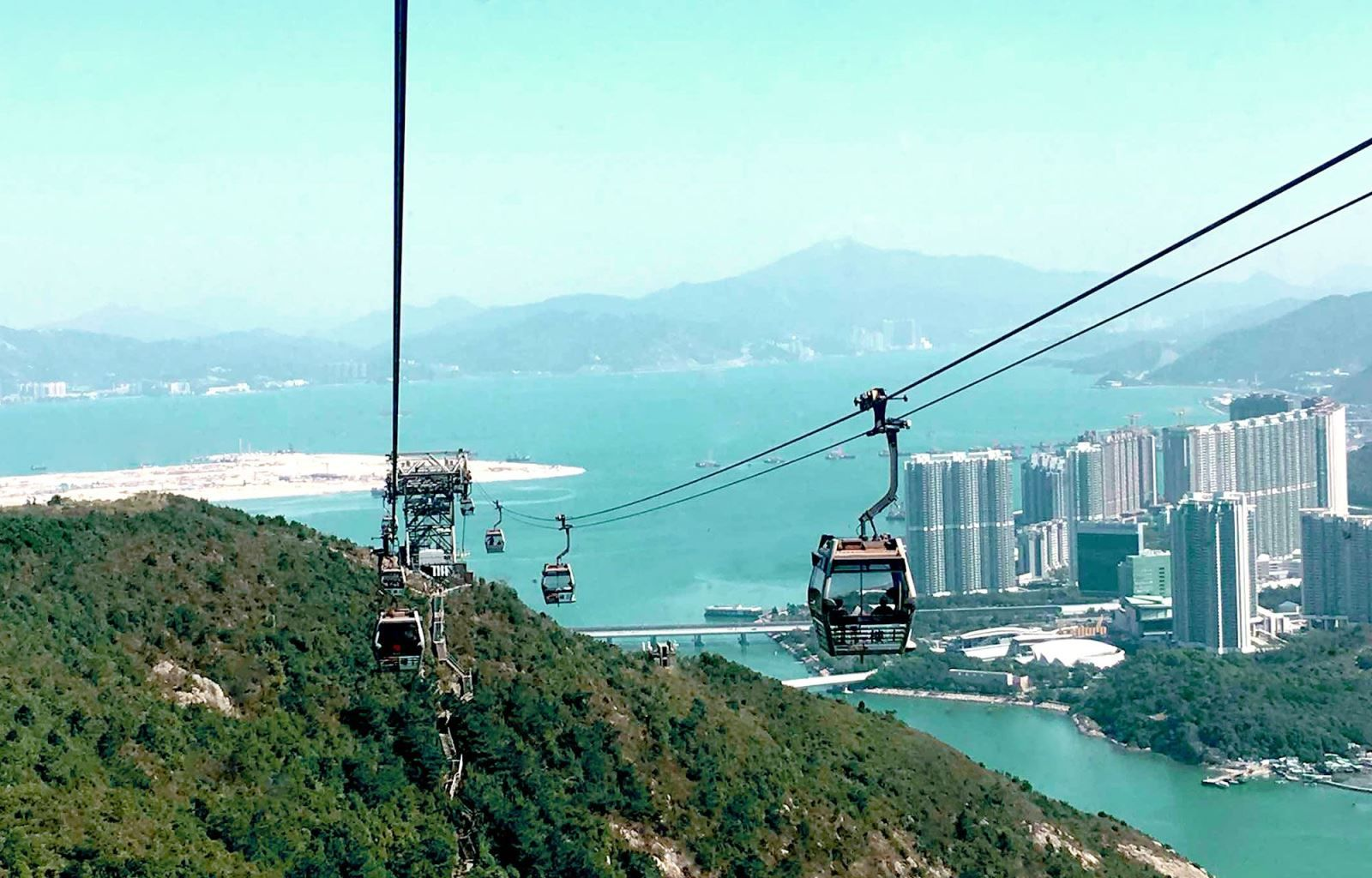 Vista da Ilha de Lantau, oeste do centro de Hong Kong