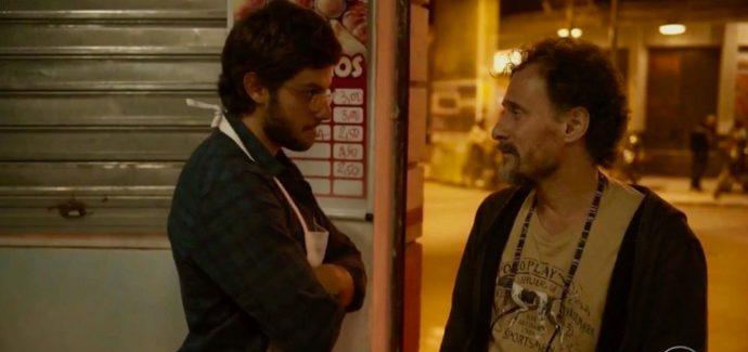 Os personagens de Chay Suede e Enrique Díaz se encaram
