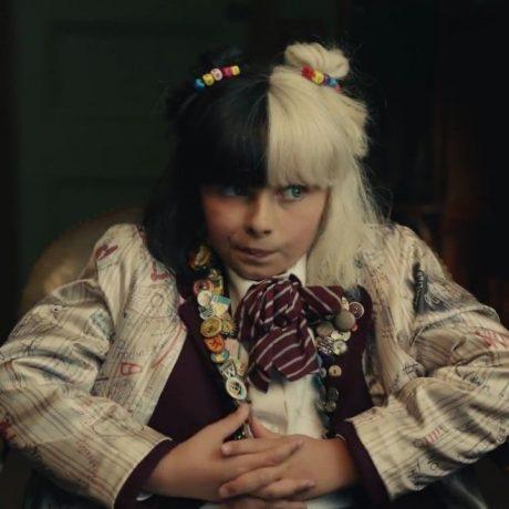 Cena do filme onde vemos a protagonista ainda criança.