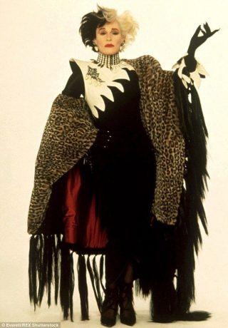 Glenn Close caracterizada como Cruella
